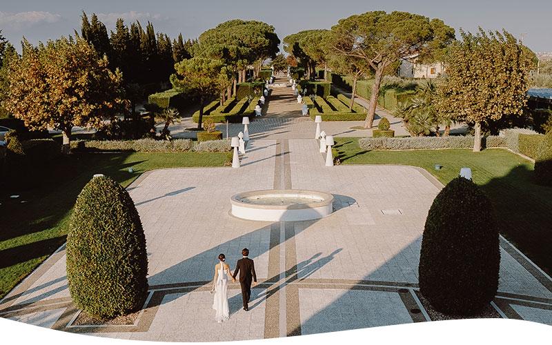 wedding in puglia passeggiata
